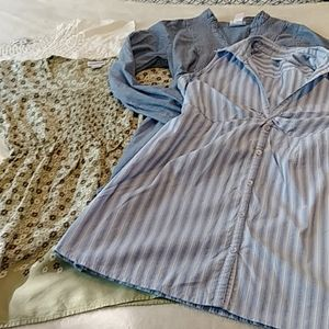Motherhood Maternity Top Bundle in Size Small